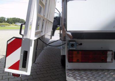 Chassis cabine glasresteel met zwenk opbouw
