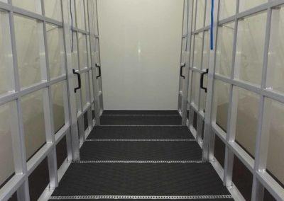 Intern glasrestelen met spansysteem voor chassis cabine