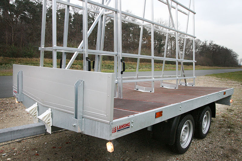 Trailer-for-window-frames-and-doors