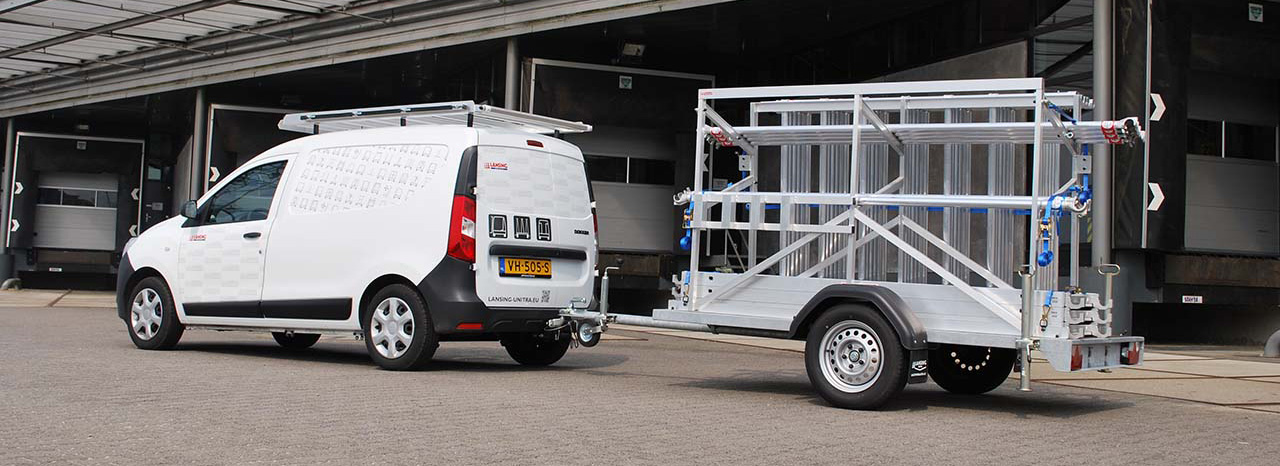 The-lightweighted-scaffolding-trailer-made-out-of-aluminium