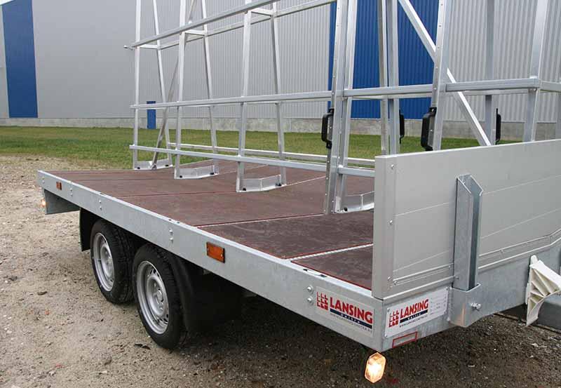 De-kozijn-aanhangwagen-met-uniek-90-graden-hoek