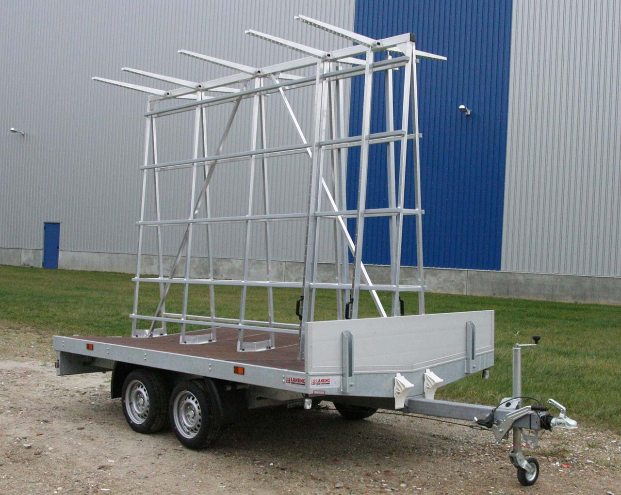 Window frames trailer - suitable for every window frame and building ...