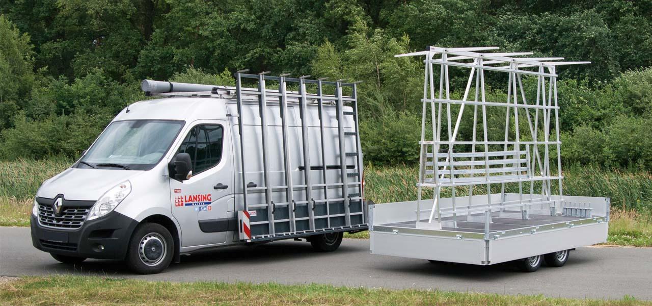 glas aanhangwagen met glasrestelen voor vervoer van glas