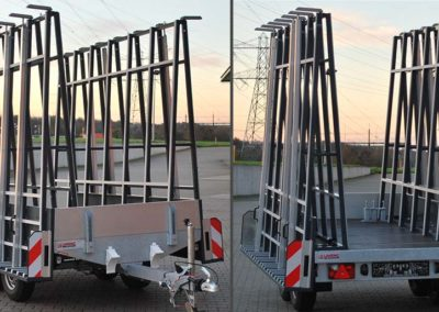 Multifunctional trailer with two glass racks