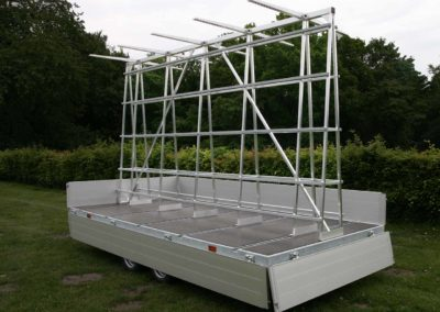 Multifunctional trailer with aluminium adjustable glass rack